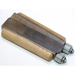 Приспособление для натяжки проволоки в рамке «Волна»